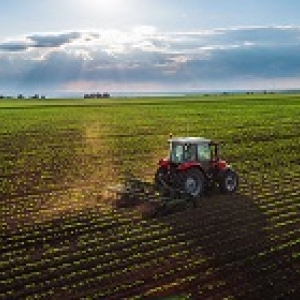 200x140-tractor-cultivating-field-at-spring.jpg