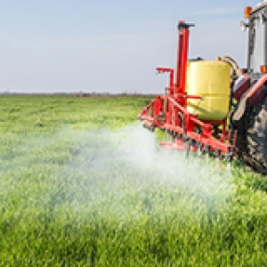 farm truck spraying crops160x